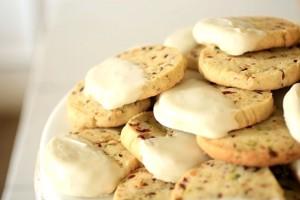 pistachio cranberry shortbreads