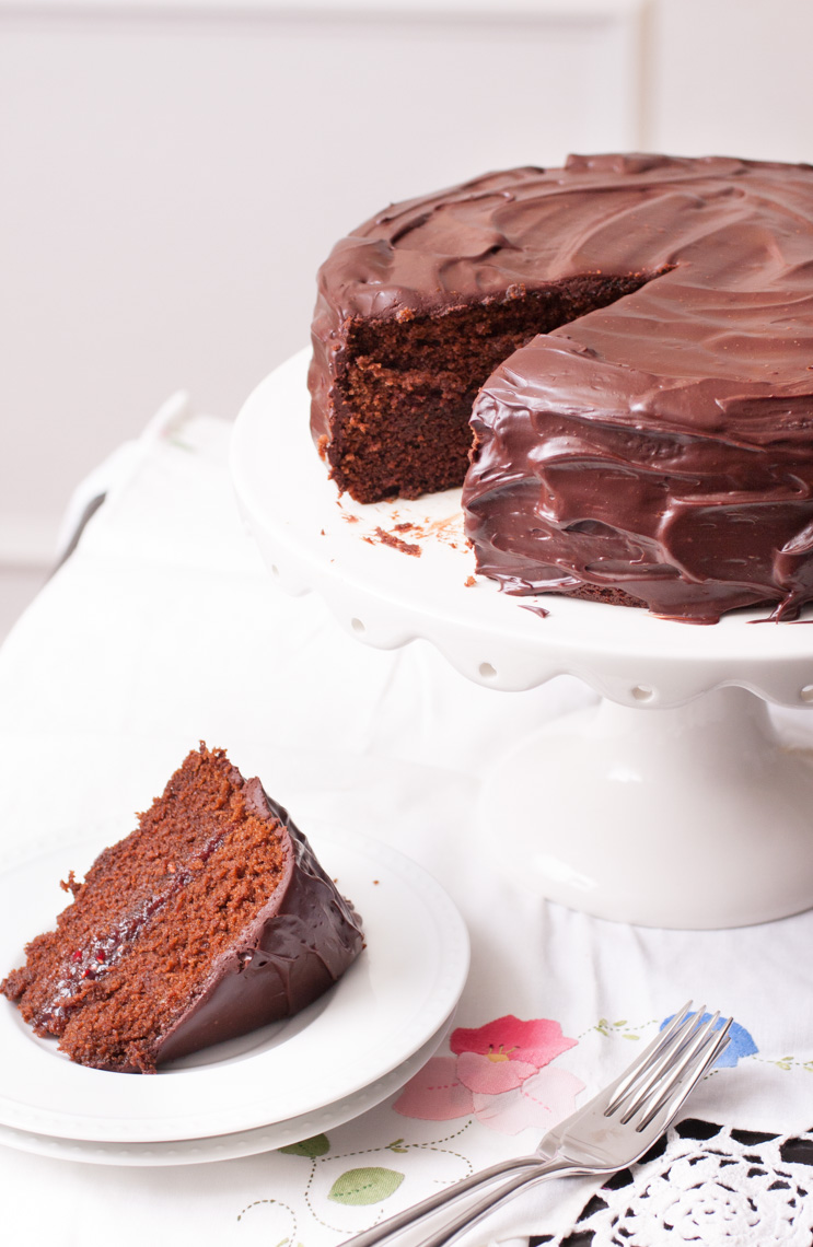Chocolate Ganache Cake Filling | Dark Brown Hairs